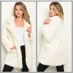 NWT faux fur/Sherpa Jacket with satiny lining Sz S